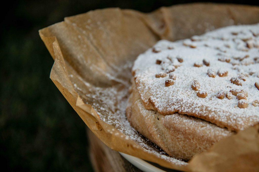 Dolce Vita auf dem Teller: Rezept für Torta della Nonna | Itchy Feet